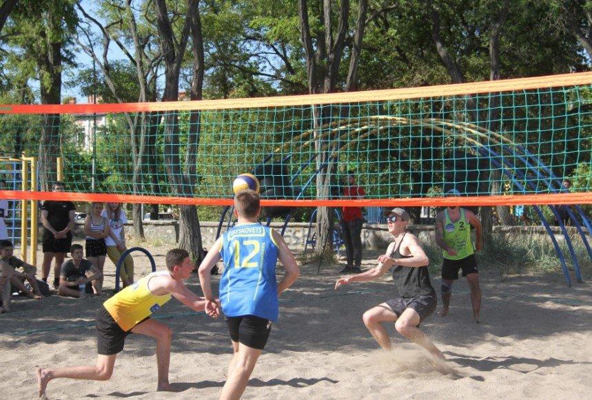 В Бердянске начались городские соревнования по волейболу, фото-2