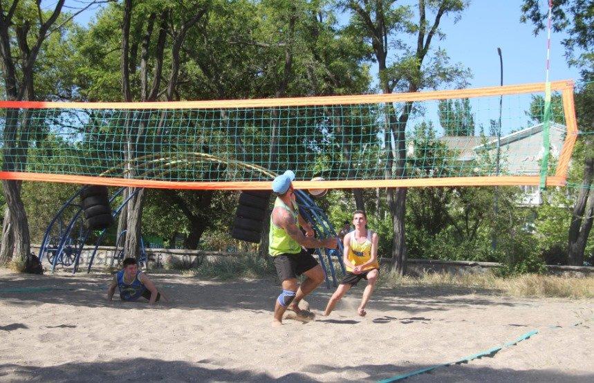 В Бердянске начались городские соревнования по волейболу, фото-3