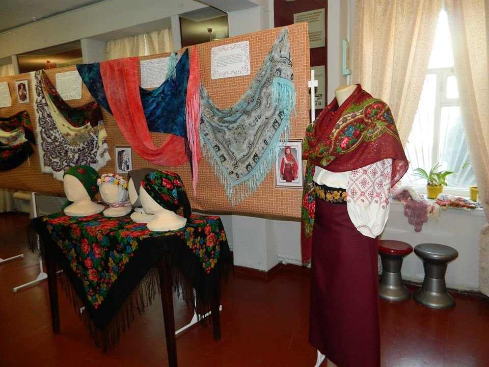 Бердянский музей Шмидта приглашает всех на выставку украинских женских платков, фото-3
