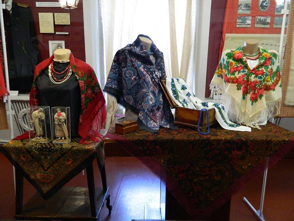 Бердянский музей Шмидта приглашает всех на выставку украинских женских платков, фото-5