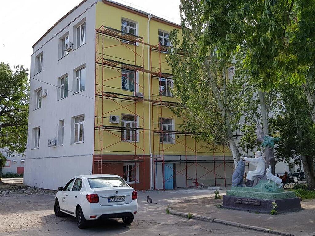 В Бердянском медицинском объединении заканчивается реконструкция терапевтического корпуса, фото-1