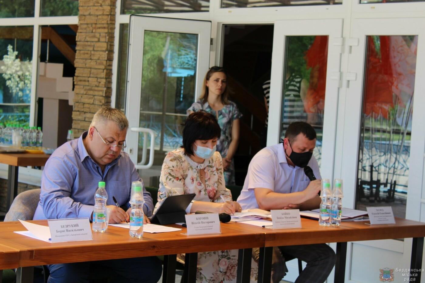 Глава Запорожской ОГА посетил Бердянск, фото-9