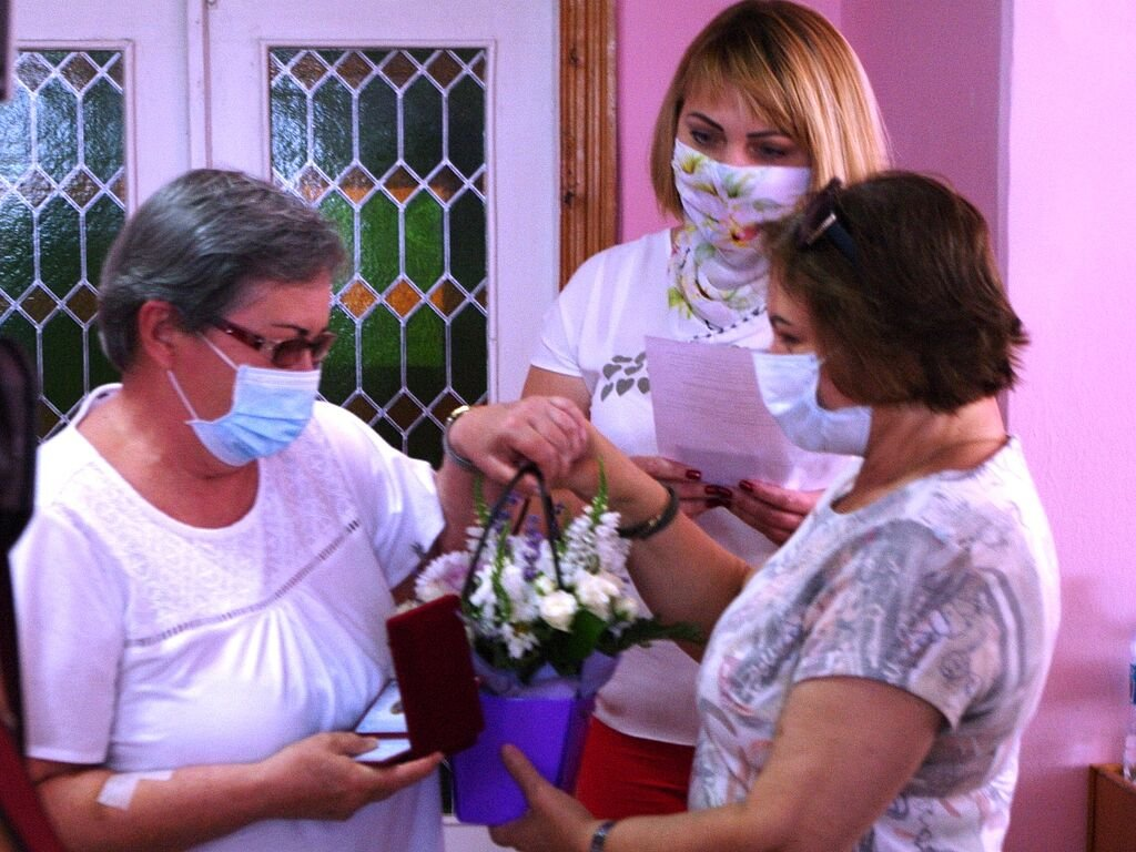 Бердянские медики получили почетные награды от главы ОГА, фото-3
