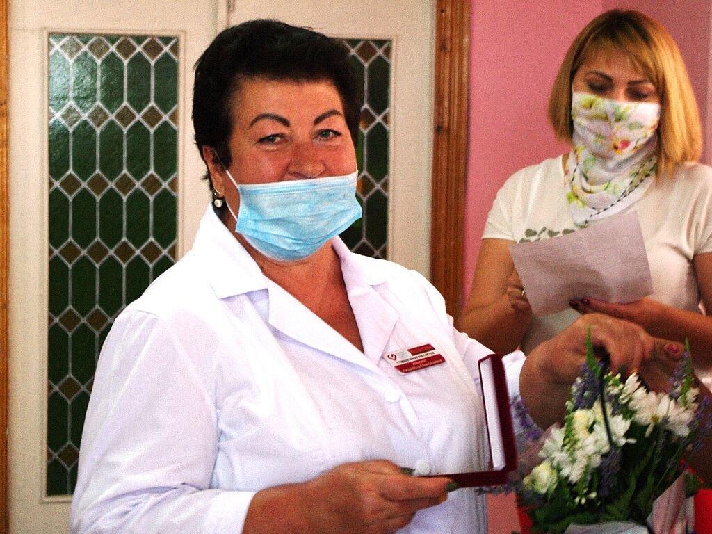 Бердянские медики получили почетные награды от главы ОГА, фото-4