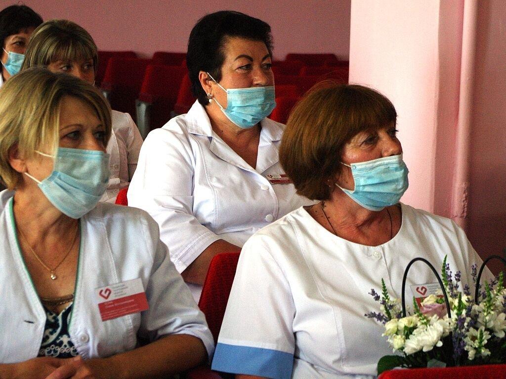 Бердянские медики получили почетные награды от главы ОГА, фото-5