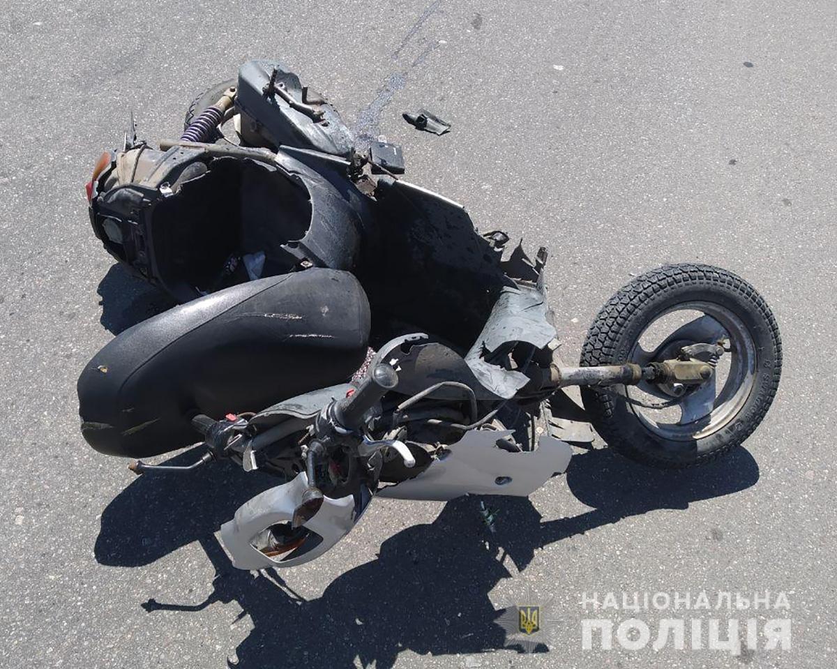Мопедист в недавней аварии в Бердянске погиб на месте событий, фото-1