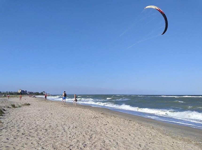 Медузы на нудистском пляже Бердянска: что важнее эстетика или безопасность?, фото-6