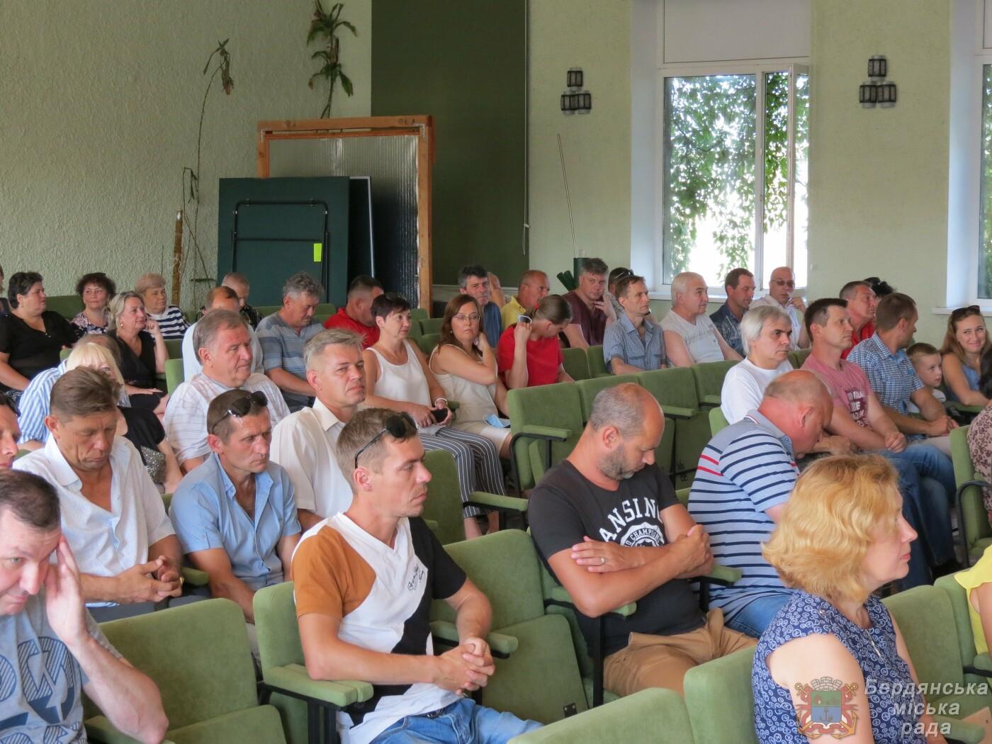 Работники Бердянского порта отмечают свой профессиональный праздник и 190 лет предприятию, фото-3