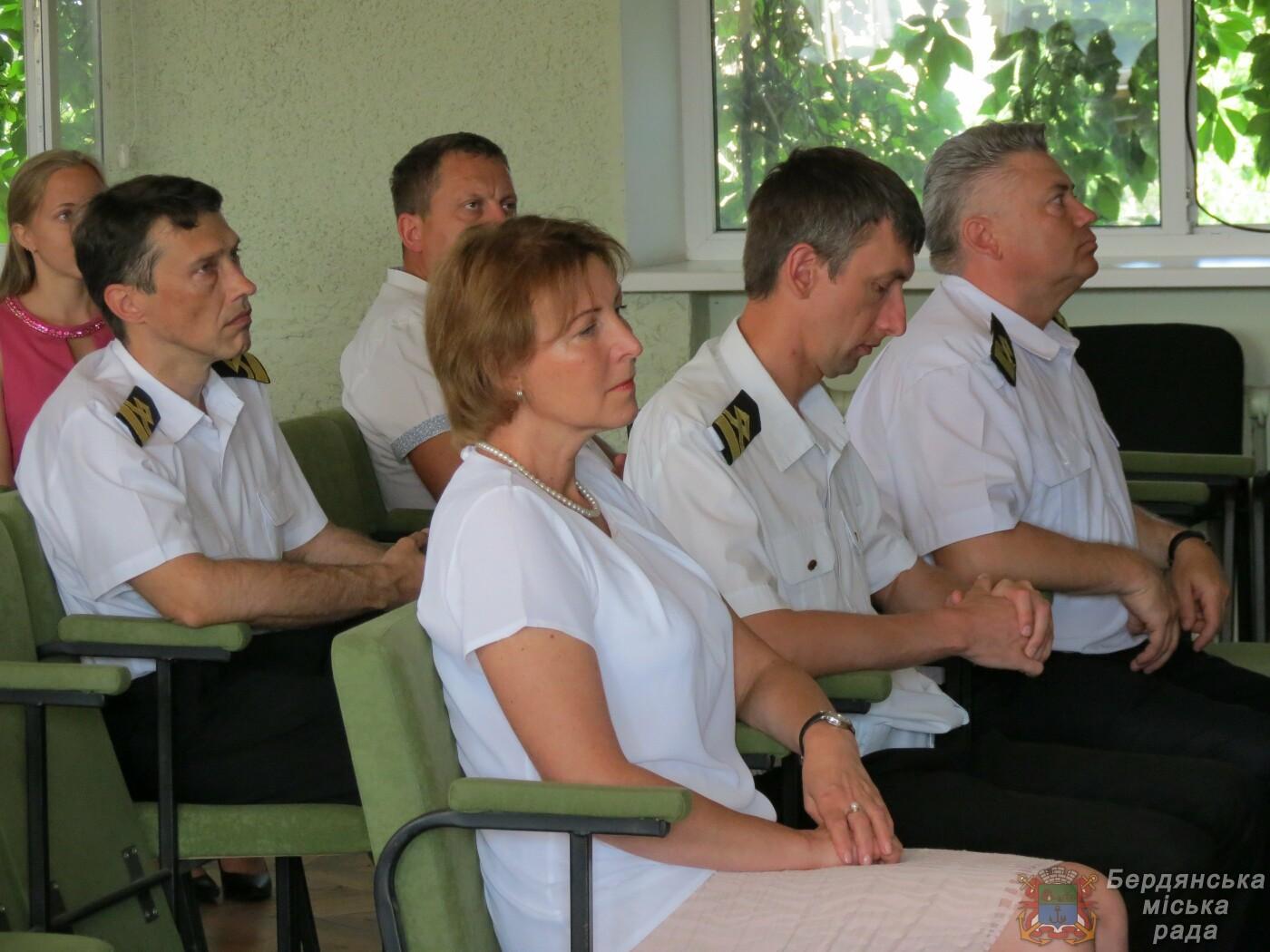 Работники Бердянского порта отмечают свой профессиональный праздник и 190 лет предприятию, фото-4