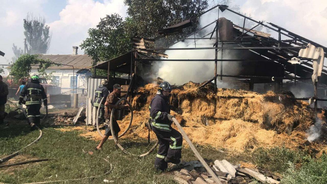 В Бердянском районе горел сеновал, фото-1