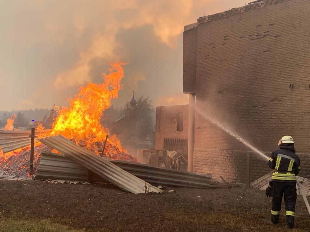 Причиной пожаров в Луганской области может быть обстрел боевиков, фото-2