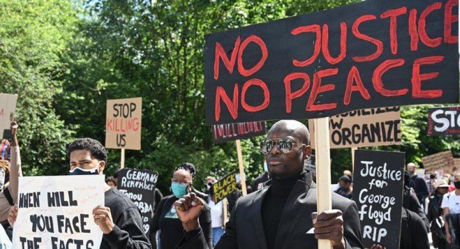 Акции протеста и митинги охватили множество стран, фото-3