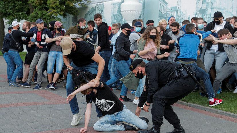 Акции протеста и митинги охватили множество стран, фото-11
