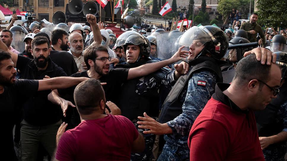 Акции протеста и митинги охватили множество стран, фото-9