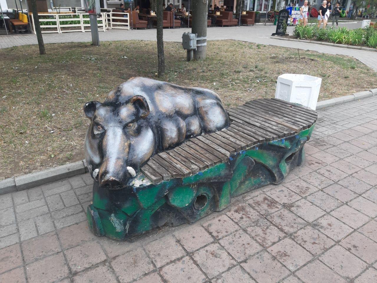 Время не щадит никого, даже лавочки в центре Бердянска не устояли, фото-5