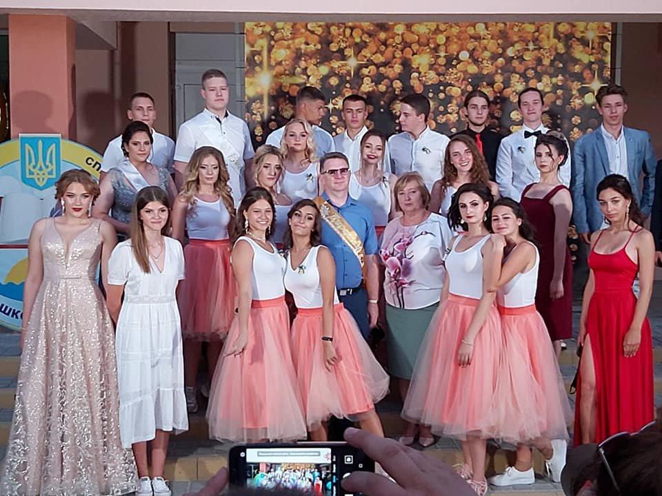Бердянские школьники оригинально отпраздновали выпускной, фото-3