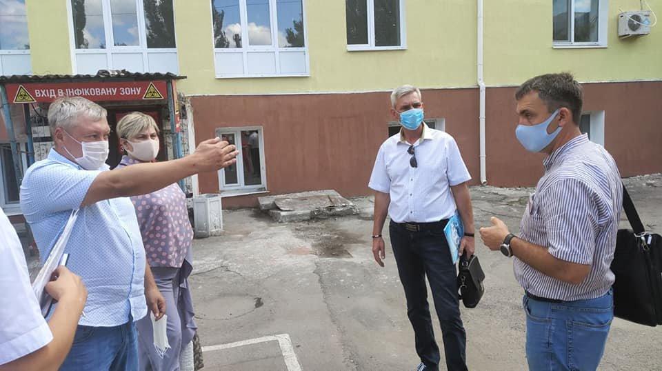 В Бердянске у 12 врачей подтвердили коронавирус
