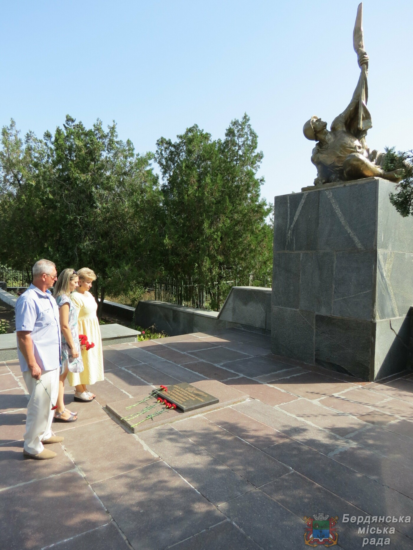 В Бердянске прошло возложение цветов к 75-й годовщине окончания Второй мировой войны, фото-3