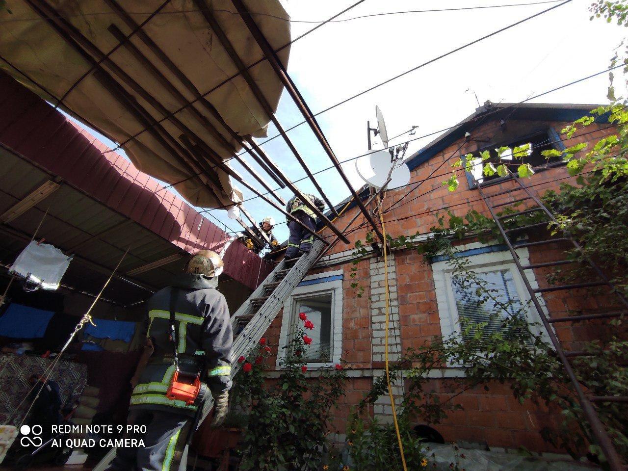 В Бердянске произошел пожар, в доме находился годовалый ребенок, фото-1