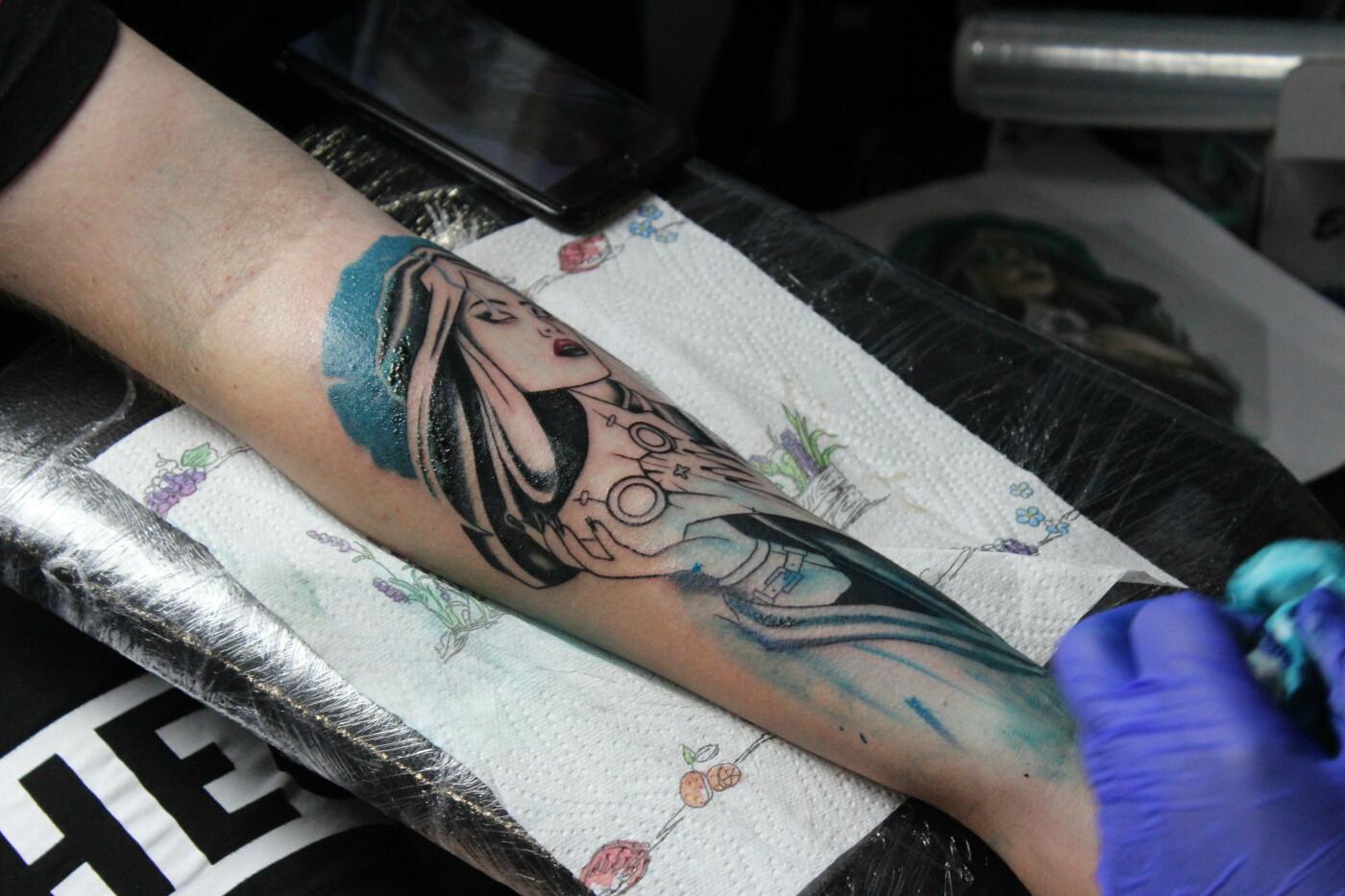 Более 100 топовых тату-мастеров съехались на фестиваль в Бердянск. Как это было?, - ФОТО, фото-13