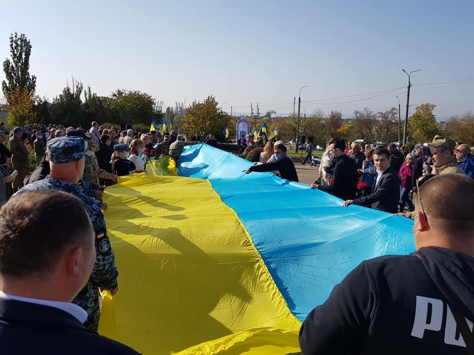 В Бердянске открыли Памятный знак защитникам, погибшим за целостность Украины, фото-2