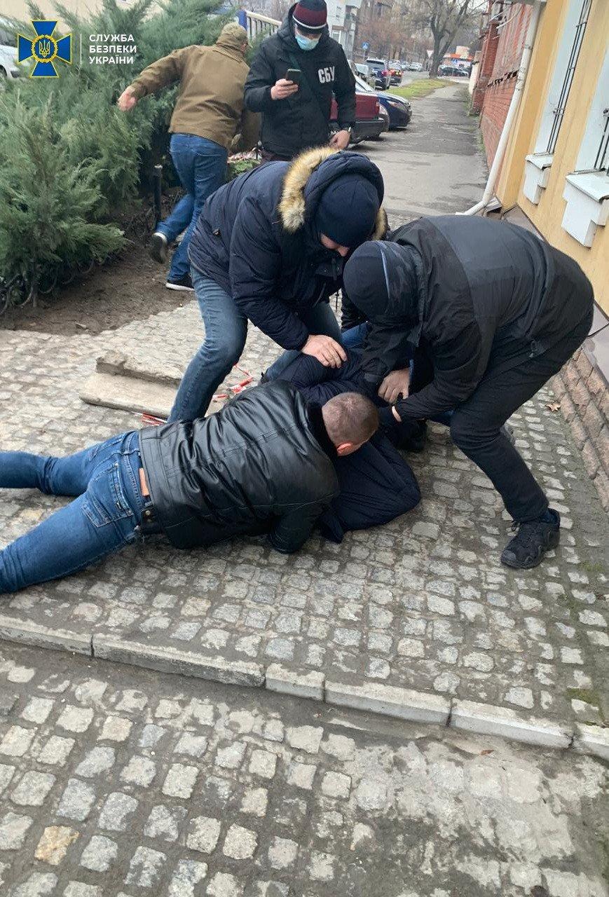 В Запорожье военный прокурор пойман на взятке, фото-1