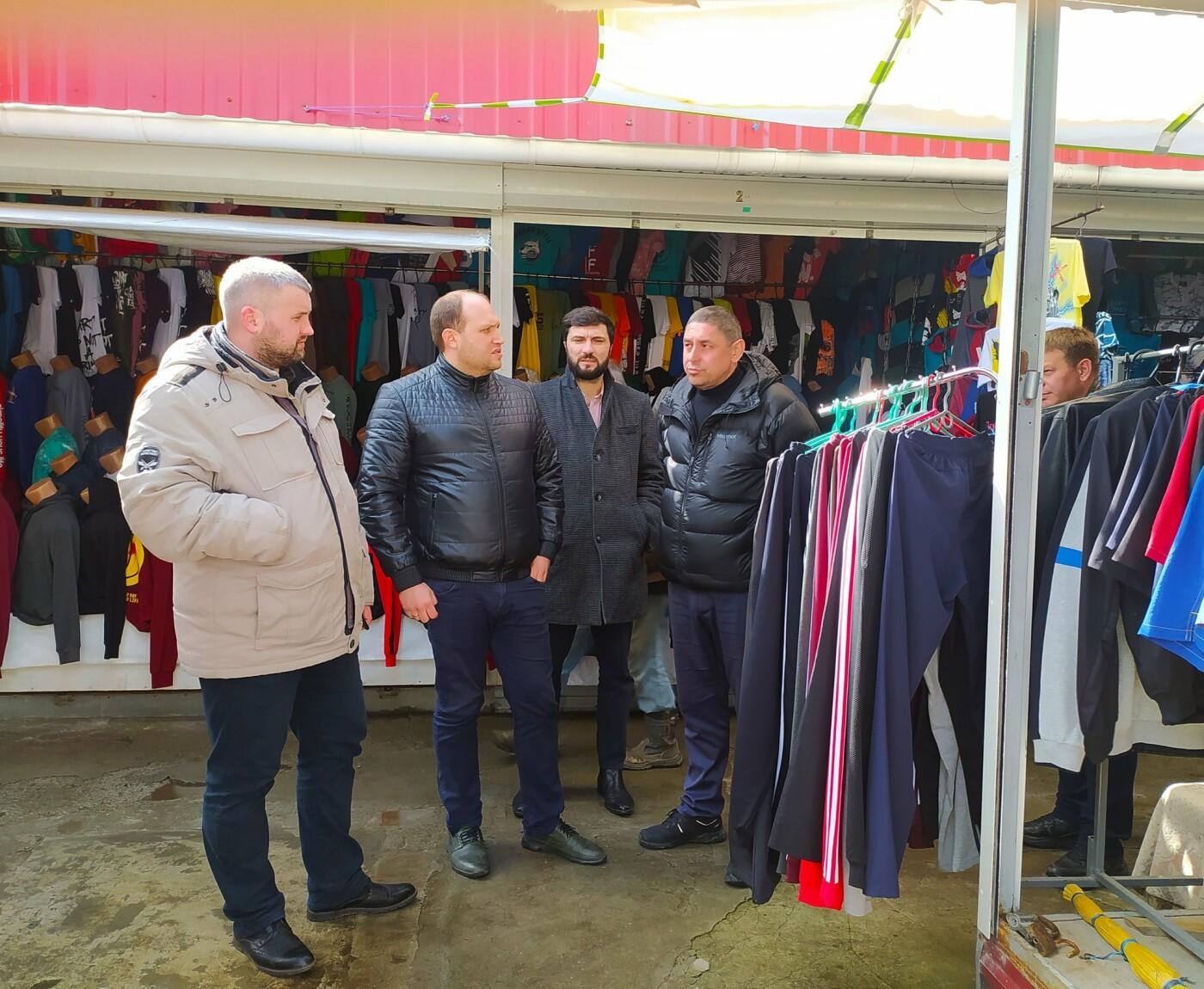"""Многолетние проблемы бердянского """"Привоза"""" обещают решить в ближайшее время, фото-2"""