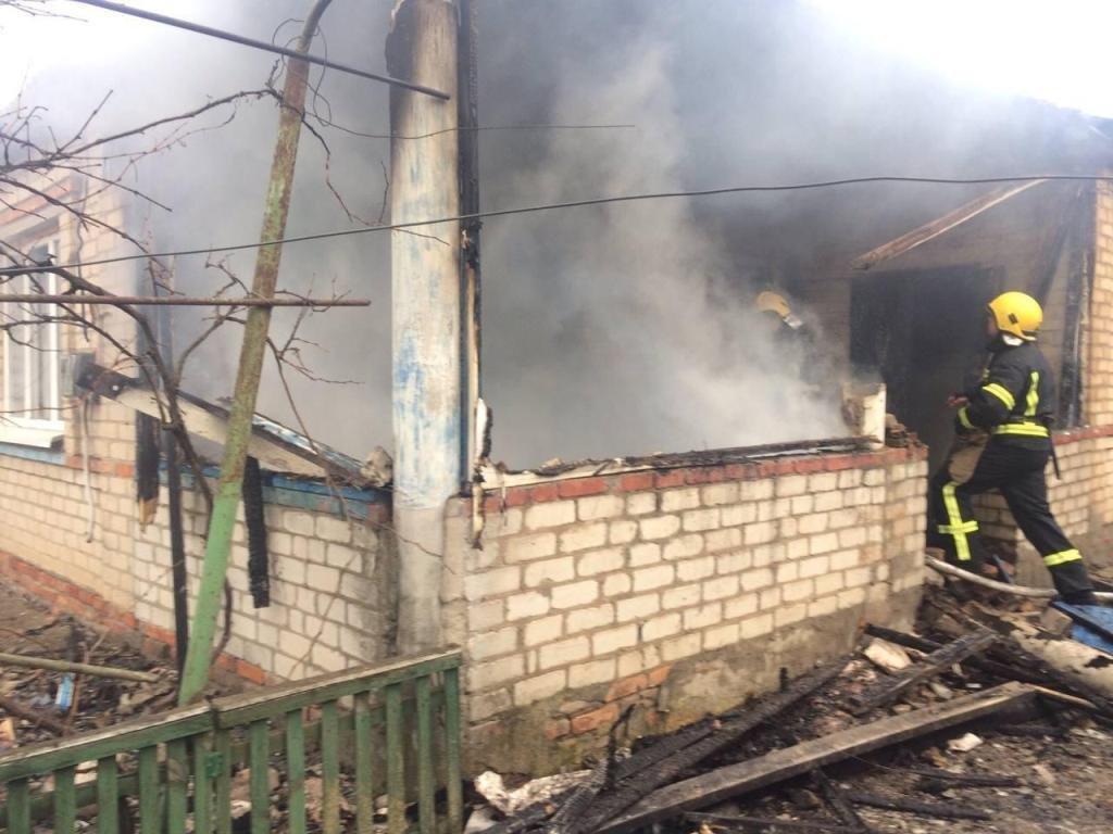 В Приморске спасатели ликвидировали пожар в частном доме, фото-2