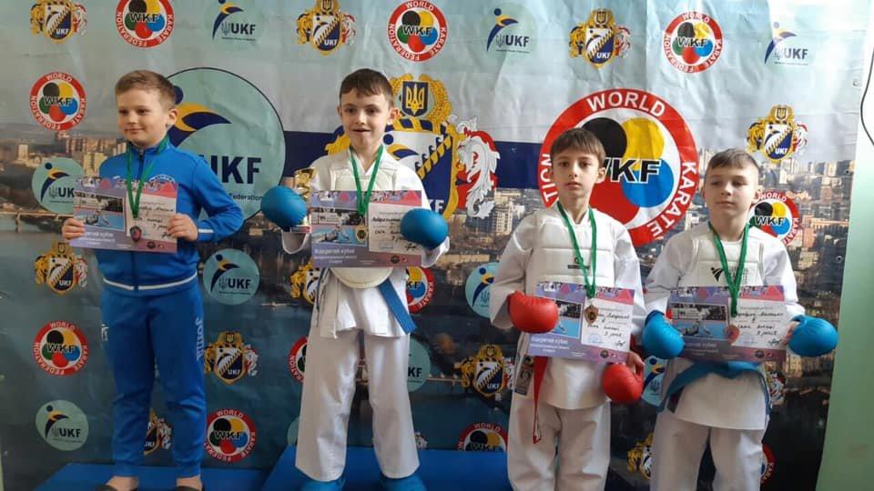 """Спортсмены клуба каратэ """"ZANSHIN"""" показали хорошие результаты в Никополе, фото-1"""
